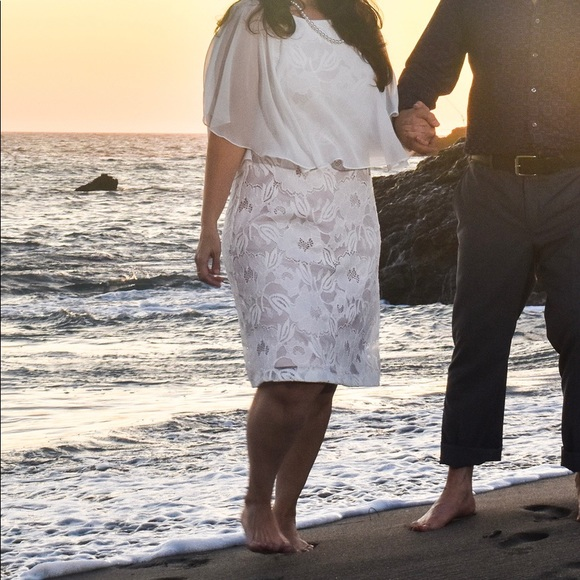 connected apparel Dresses & Skirts - White Popover Floral Lace Shift Dress w/Capelet